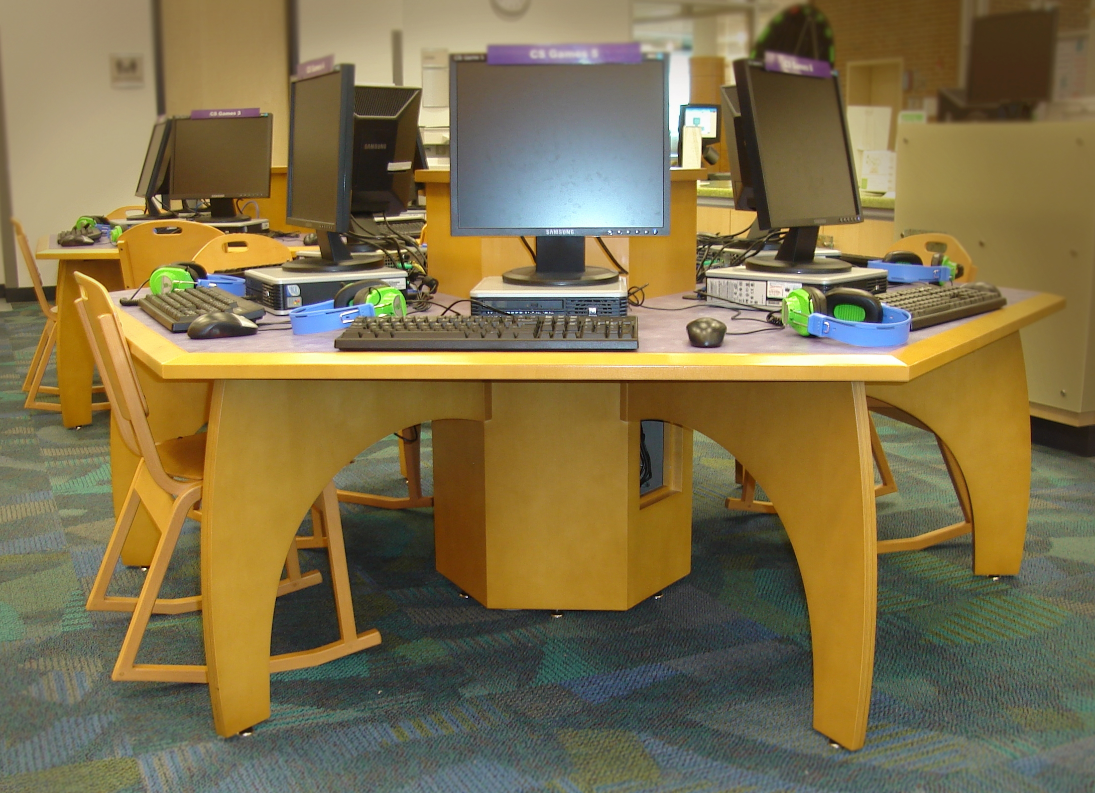 Addison Public Library Computer Desk