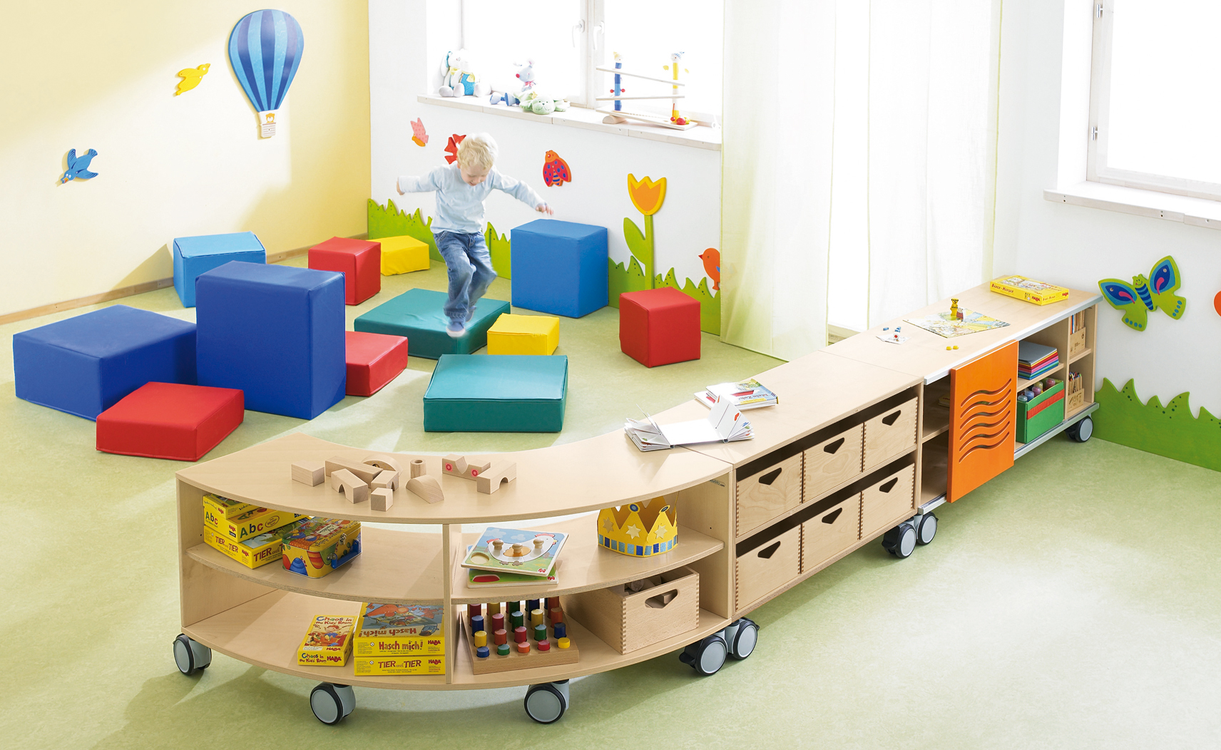 Kids Curved Shelving